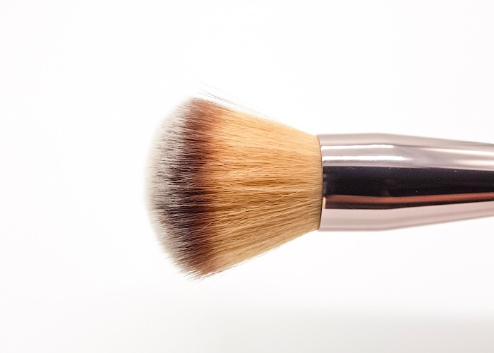 Luxurious Powder brush Banerra